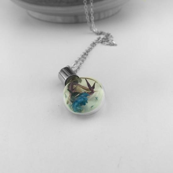 Eşsiz Kolye Cam İçerisinde Gerçek Çiçek ile Yapılmış  El Yapımı Küre Model Kolye ve Kolye Ucu